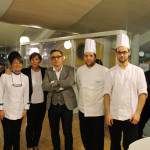 Bruno Barbieri (al centro) insieme al team del ristorante PAUSE / Bruno Barbieri (center) with the PAUSE restaurant team