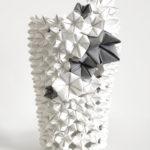 Elena Salmistraro, cover per vaso Origami, carta tessuto