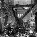 Biblioteca di Holland House bombardata nel settembre del 1940